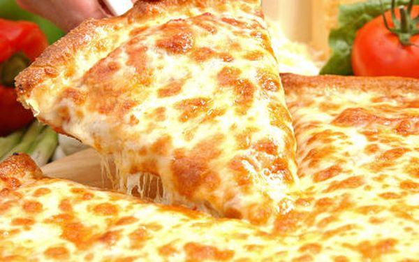 2 MAXI pizzy za cenu 1 z vyhlášené kuchyně MaMia! I s rozvozem jen za 199 Kč místo 398 Kč!