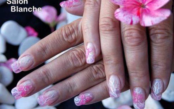 279 Kč za nové gelové nehty nebo klasickou manikúru vhodnou i pro pány se slevou 54%