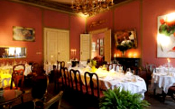 Pálffy palác – Degustační menu dle šéfkuchaře - Lahodná mezinárodní kuchyně v romantickém prostředí barokního palace na Malé Straně, přímo pod Pražským hradem. Užijte si vynikající 3-chodové menu na terase s výhledem do Palácových zahrad