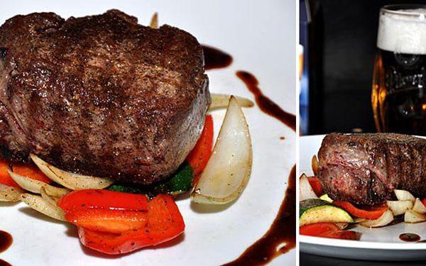 Nalaďte své chuťové buňky na biftek z pravé svíčkové se 40% slevou. 2x biftek z pravé svíčkové s přílohou a plzeňským pivem nebo nealko nápojem dle vašeho výběru.