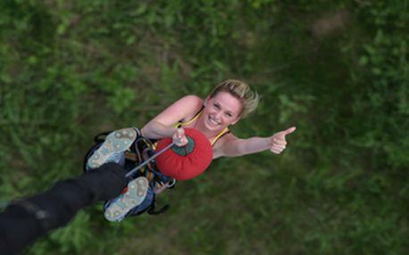 Adrenalinový seskok Bungee Jumping z nejvyššího mostu v ČR za 750,- Kč. Získej 50% slevu