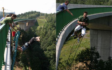 Adrenalinová Kieneova Houpačka z nejvyššího mostu v ČR za 650,- Kč. Získej 50% slevu