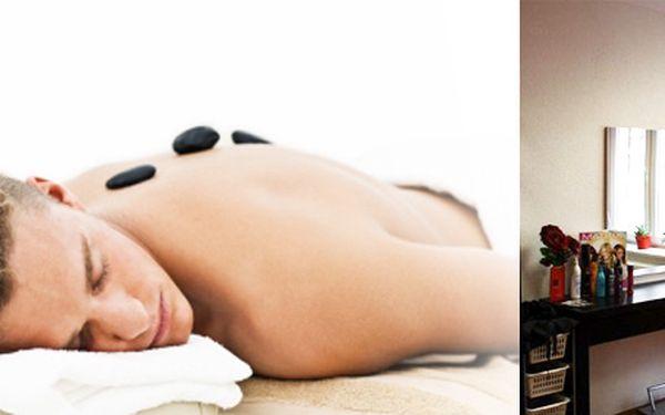 Pouze 199 Kč za žhavou hodinovou masáž horkými lávovými kameny v Red-M studiu! Prožijte jedinečné účinky všemi smysly nebo věnujte zážitkovou masáž svým blízkým. Ušetříte 50%!