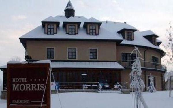 SKI lyžařský a wellness balíček, neboli pobyt pro dvě osoby na dvě noci (pokoj EXCLUSIVE) v luxusním **** hotelu MORRIS v Mariánských Lázních, včetně skipassu pro dvě osoby a dalších výhod za pouhých 3 190 Kč.
