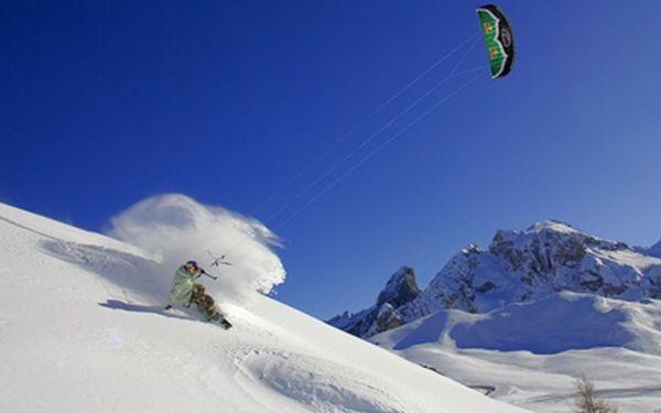Landkiting a snowkiting za polovic! Minimálně 2 hodiny adrenalinu na trávě nebo sněhu! Rychlost, volnost, svoboda pod dohledem profesionálních instruktorů! Voucher platí více než rok!!!