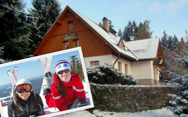 2999 Kč za celý TÝDEN s polopenzí v Hotelu Gabriela. Užijte si lyžování, běžky nebo snowboarding v Krkonoších se slevou 57%