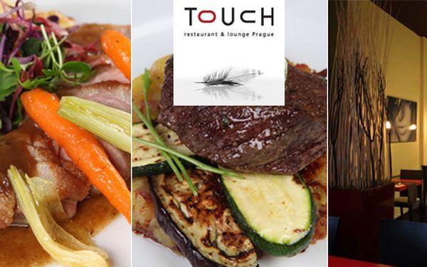 """Skvělých 299 Kč za jakékoliv jídlo a nealko dle Vašeho výběru v hodnotě 655Kč. Pochutnejte si ve dvou nebo s přáteli ve stylové """"opeřené"""" restauraci Touch v centru Prahy se slevou 54%!"""