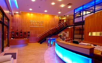 Časově neomezený vstup do sauny, páry a jacuzzi včetně poukázky na 300 Kč na služby ve SPA Holmes Place. Sleva 71%