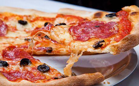 Dvě PRAVÉ vynikající italské pizzy za bezkonkurenčních 149 Kč v centru Prahy! Originální receptura, italské ingredience, domácí výroba pod dohledem italského majitele, to je nejlepší pizza v Praze! Už nikdy nebudete chtít jinou!