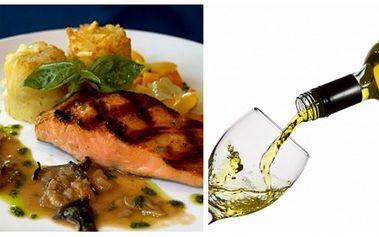 Za pouhých 229 Kč získejte lahodné menu pro DVĚ OSOBY. V ceně obdržíte 2x pstruha po mlynářsku a 2x 0,2 dl vína dle Vašeho výběru! Výborná nabídka jen v restauraci U ZLATÉHO PRECLÍKU na Malé straně.
