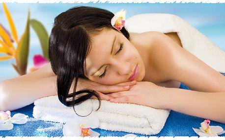 Nechte se hýčkat perlou mezi masážemi - 60minutovou havajskou Lomi Lomi (milující ruce).
