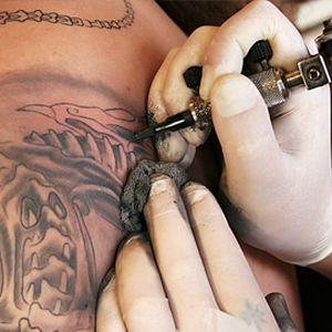 Tetování, piercing, branding, make-up v Tattoo salónu Lexus s 50% slevou! Pozor! Je možné spojit 2 kupóny. Tedy za 1000,- Kč získáte služby v hodnotě 2000,- Kč