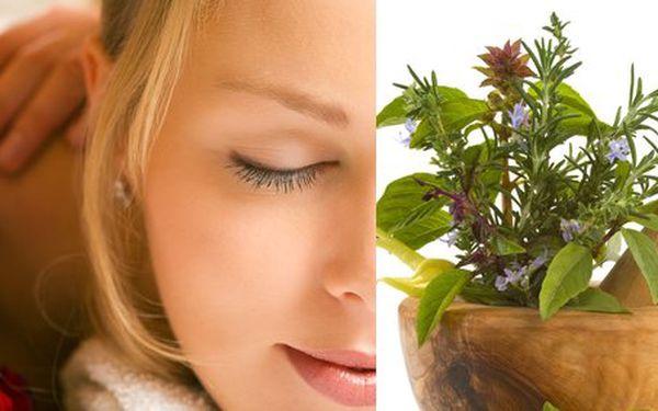Balíček zdravého životního stylu včetně masáže a detoxikační kůry se slevou 41 %