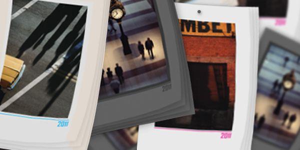 Nástěnný otáčecí měsíční KALENDÁŘ 2011 s TVÝMI FOTOGRAFIEMI – 13 listů, formát 20x30 cm, závěsné ouško na zeď