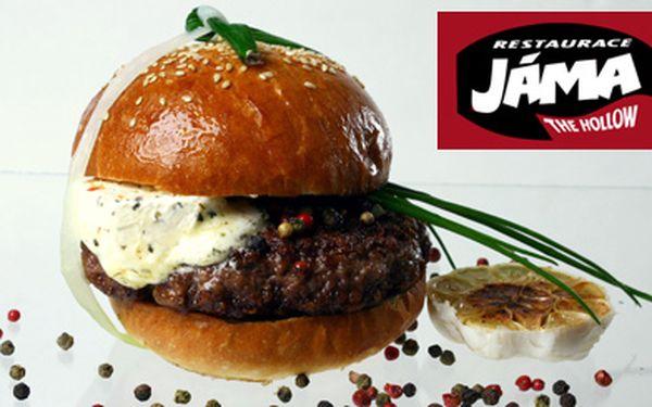 390 Kč (běžná cena 851 Kč) za bohatou večeři pro 2 v legendární restauraci Jáma v hodnotě 500 Kč. Vyberte si cokoliv z nabídky, třeba skvělé hamburgery či steaky. A domů si odnesete dva dárkové multipacky prémiového ležáku Lobkowicz!