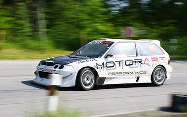 Neopakovatelná šance - staňte se aspoň na okamžik automobilovým závodníkem! Splňte si svůj sen a usedněte za volant závodního vozu v rámci Racing Víkendu.