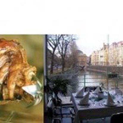 99 Kč za delikátní vepřové koleno v centru Prahy v legendární restauraci a galerii MÁNES s úžasným výhledem na Národní divadlo a Vltavu