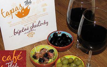 S 50% slevou získejte skvělé menu pro 2 OSOBY v Café&Tapas Toledo. Získejte 2x0,2 l prvotřídního červeného španělského vína a Tapas v podobě - zapečené švestky ve slaninovém kabátku a černé nebo zelené olivy! A pozor NOVĚ soutěž o tuto akci!
