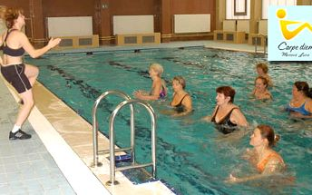 Cvičení bez potu a zátěže kloubů! Lekce aqua aerobiku, aqua kick boxu nebo aqua aerobiku s prvky zumby od fitness centra Carpe diem jen za 40 Kč. Sleva 58%.