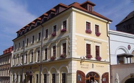 Získejte ČTYŘDENNÍ odpočinkový pobyt pro 2 OSOBY v hotelu Svatý Florian***v Lokti s tradičními VEPŘOVÝMI HODY, se SNÍDANÍ, ochutnávkou PIVA, PROHLÍDKOU města, vstupem do SAUNY a WHIRPOOLU a 25% SLEVU na konzumaci v restauraci. To vše se slevou 44%!