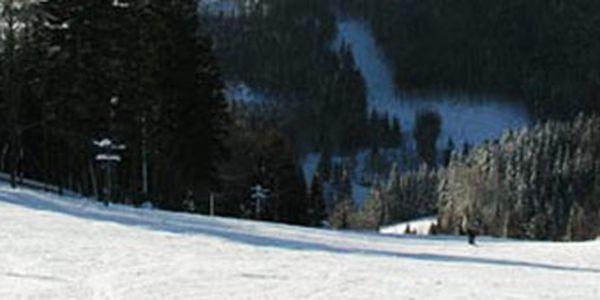 Přijďte si v sobotu zalyžovat na krásně upravené sjezdovky na Janovu Horu v Krkonoších. Ideální pro rodiny s dětmi, snowboarďáky, možnost výuky v lyžařské škole, snowtubingová dráha atd. Občerstvit se můžete u Chaty Hubertky v prima rychlém občerstvení