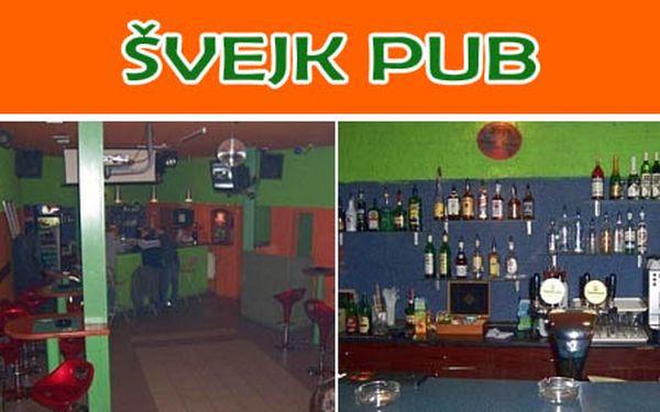 Poseďte si vo dvojici! Dva pollitre Staropramena 10 a dvakrát 0,04 Moravskej hrušky vo Švejk pube a zaplaťte len 1,8 €. Skvelý večierok so zľavou 68%.
