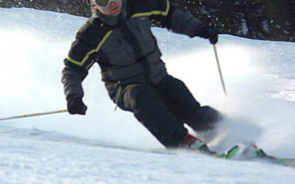 330,- Kč za 2-denní permanentku pro 1 osobu na lyžovačku ve skiareálu Klepáčov v Jeseníkách. Nabídka platí v hlavní sezóně od 26.1. do 15.3.2011. Sleva 50 %.
