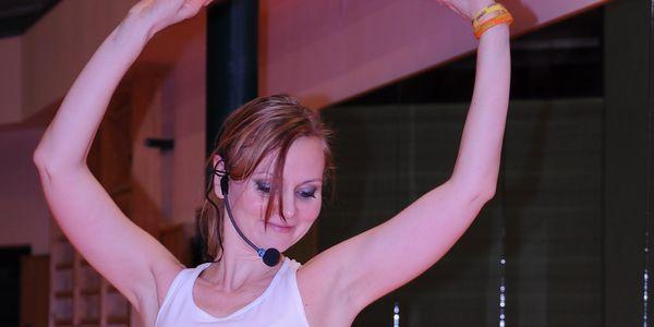 Zumba již i v Hodoníně! 70,- Kč za 2 taneční lekce Zumby se strhující latinsko-americkou hudbou, exotickými rytmy a párty plnou energie, tance a dobré nálady. Sleva 50%.