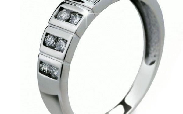 Stříbrný prsten 2079
