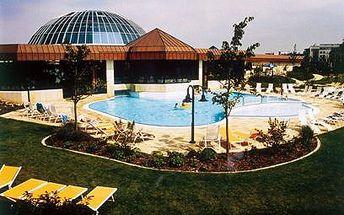 Světový aquapark za směšnou cenu! Celodenní vstup do Sachsen Therme v Lipsku jen za 215 Kč místo 436 Kč pro jednoho nebo pro rodinu jen za 375 Kč místo 750 Kč!! Tak co si dáte? Saunu s otevřeným ohněm nebo skokanské můstky :-)