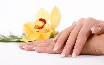 50% Sleva Modeláž gelových nehtů včetně masáže rukou? Nejen pro pány, jako vhodný dárek k Valentýnu ale i pro dámy, které se chtějí líbit kdykoliv a kdekoliv :-)