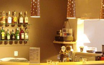 Pozvěte přátele na 4 osvěžující drinky z karibského rumu do prvního CURRY BARU v Brně.