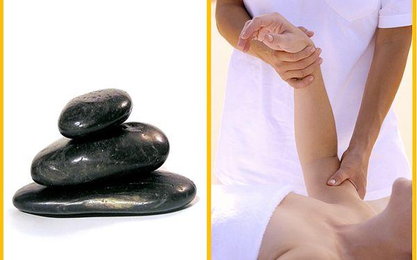 Klasická relaxační masáž zad, šíje a rukou Vám uvolní svaly, předejde bolestem a přinese příjemný pocit! Masáž v délce 40 minut se slevou 50 % jen za 225 Kč a k tomu jako bonus 10 minut masáž lávovými kameny!! Máte-li chronické bolesti zad a krční páteře,