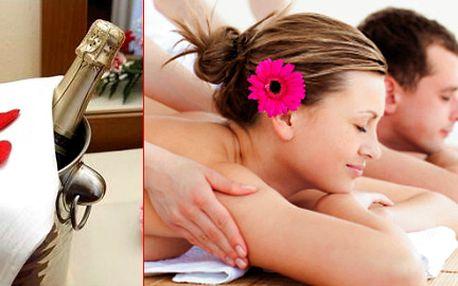 Luxusní valentýnská relaxační masáž pro DVA! Mandlový peeling, masáž afrodiziakálním olejem, masáž obličeje, romantické posezení při svíčkách s občerstvením a sektem. To vše pro Vás se slevou 40%.