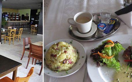 Přijďte si ve dvou vychutnat menu: 2x Vepřová panenka na zeleném pepři s přílohou a navíc pro každého štrůdl a káva ! ! S 56% slevou jen za 195 Kč ! ! !