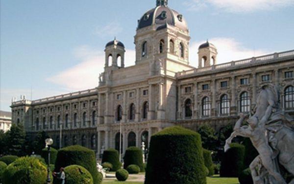 Jen 3290 Kč za 3 dny pro 2 osoby v luxusní prostředí 4* welness hotelu Am Sachsengang u Vídně!