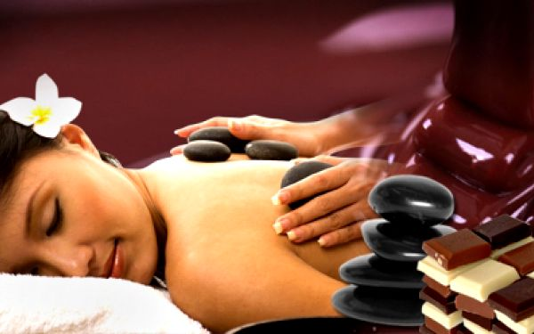 Dopřejte svému tělu úžasný relax v podobě masáže čokoládové nebo hot stones! Vyberte si jednu z těchto luxusních masáží a užívejte si za pouhých 299 Kč místo 790 Kč!