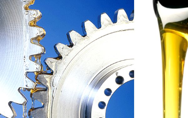 Kvalitní plně syntetický motorový olej Dexos2 (5 litrů) splňující ty nejpřísnější a nejnáročnější kritéria či požadavky + výměna oleje za skvělou cenu 849Kč(hodnota 1500Kč). Mimořádný čisticí výkon, snížené opotřebení a celková ochrana motoru v kombinaci