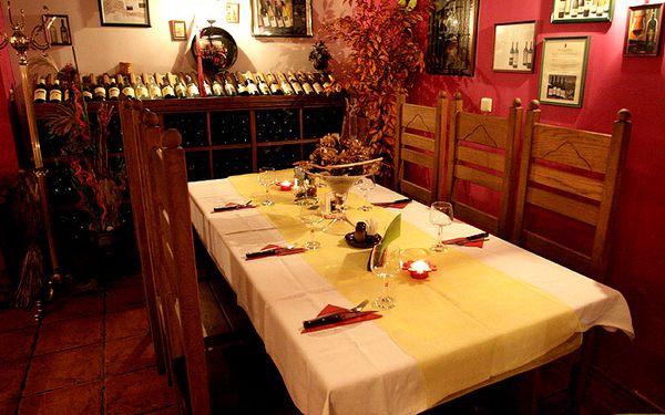 Vychutnejte si neskutečné italské degustační menu s výborným předkrmem, výběrem ze 2 hlavních chodů a lahodném dezertu! K tomu 4 druhy prvotřídního aperitivu! Vše jen za 249 Kč, se slevou 59% v luxusní restauraci RIALTO!