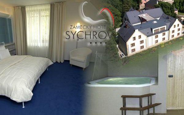 3990 Kč za dvě noci pro DVA v pohádkovém Zámeckém hotelu Sychrov. Luxusní pokoje, dvě romantické večeře při svíčkách, vířivka a mnohem víc v hodnotě 8150 Kč se slevou 51 %.
