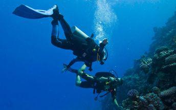 40% pouze 720,-Kč adrenalinový zážitek v podobě zkušebního ponoru. Během programu můžete vyzkoušet vše, co přístrojové potápění obnáší, a to zcela bezpečně v prostředí speciálně k tomu určených bazénech!