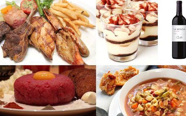 Nadupané menu pro DVA – polévka Minestore + tatarák z hovězí svíčkové + grilovaná telecí kýta, kuřecí prsa, vepřová panenka a italská klobása + Tiramisu + lahodné víno. Pouze za 379 Kč.