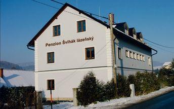55%. Ubytování již za 894 Kč za pokoj na 3 noci v penzionu Švihák lázeňský pro rodiny s dětmi v Jeseníkách. To je 149 Kč na osobu a den! Navíc sleva 400 Kč na vícedenní skipas na osobu do nového lyžařského střediska Kouty nad Desnou