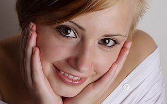 Skvělých 2790 Kč za 20 profesionálních, upravených fotoportrétů od mezinárodně působícího fotografa. V ceně kupónu nechybí práce vizážistky a úprava vlasů. Udělejte radost sobě, svému miláčkovi nebo známým s fantastickou slevou 60%!