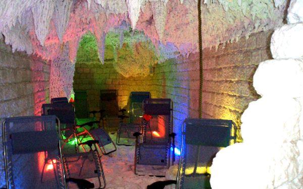 Příjemných 136 Kč místo 400 Kč za 45min relax VE DVOU v solné jeskyni a uvolnění při příjemné masáži! Dejte sbohem stresu a hoďte se do pohody!