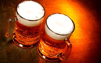 Dva Staroprameny 11° za 20 Kč!! Ušetřete 64% z původní ceny 56 Kč a vychutnejte si dvě velké nefalšované sklenice tohoto zlatého moku ve sport baru Na Moraváku! LIMITOVANÁ NABÍDKA!