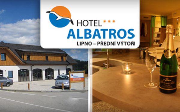 Ubytování v novém hotelu Albatros u nádherného jezera Lipna na 2 noci se snídaní, vstupem do Aquaworldu, sauny a na bobovou dráhu, to vše pro 1 osobu se slevou 53% jen za 1399Kč!!!