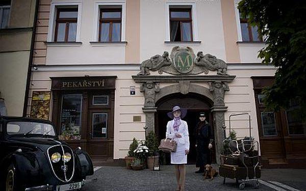 6-denní wellness-sportovní pobyt pro dvě osoby ve 4* hotelu Morris v České Lípě s plnou penzí a 10 procedurami. Luxusní hotel ve staroanglickém stylu. Balíček plný procedur včetně vstupů do aquaparku, fitnessu a zumby.
