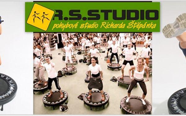 POZOR!!! 2 vstupy na JUMP v Brně jen za 95,- Kč!!! VYSKÁKEJTE si s námi super postavu s nebeskou slevou 50%!!! Přijďte si s námi zlepšit fyzičku, zpevnit tělo a hlavně se pobavit!