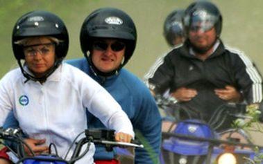 Výlet na čtyřkolkách ve Špindlerově Mlýně - Na kole se prohání skoro každý, ale zkuste to na čtyřech najednou!